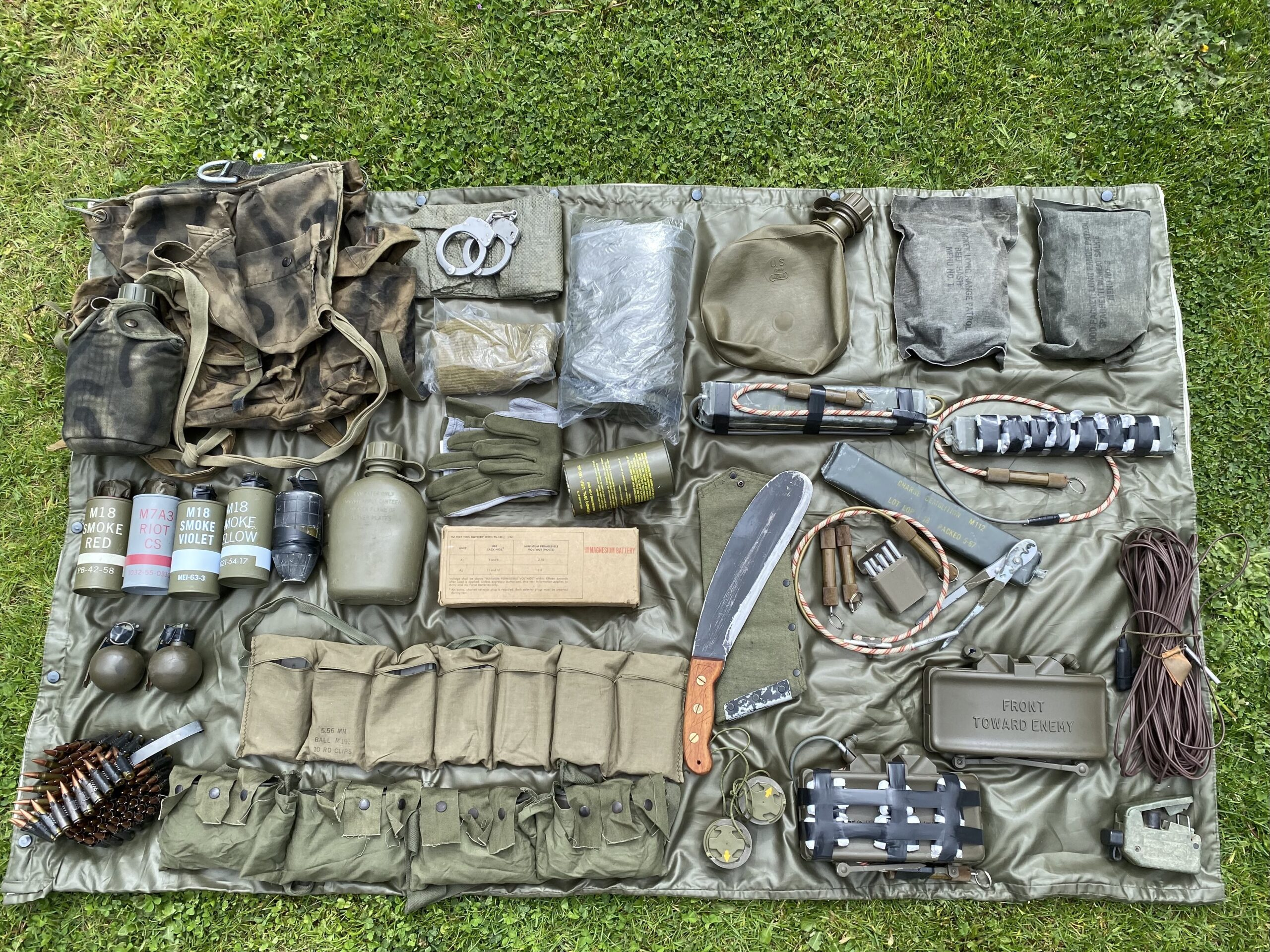 Typical US RT Personnel Rucksack Contents